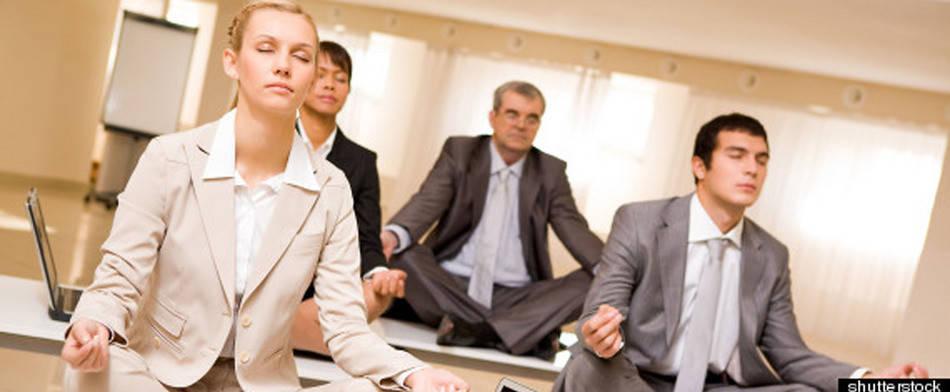 directivos meditando